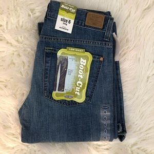 🆕 Old Navy Low Waist Boot Cut Jeans